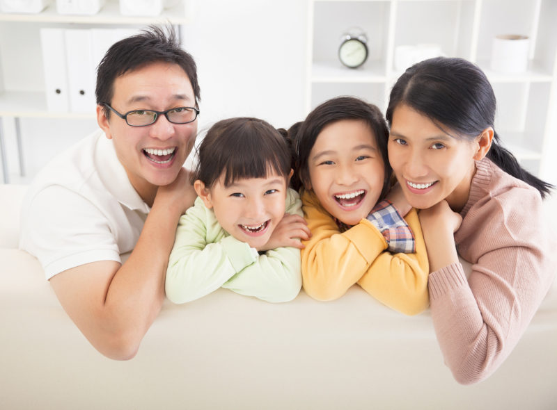 happy-asian-family